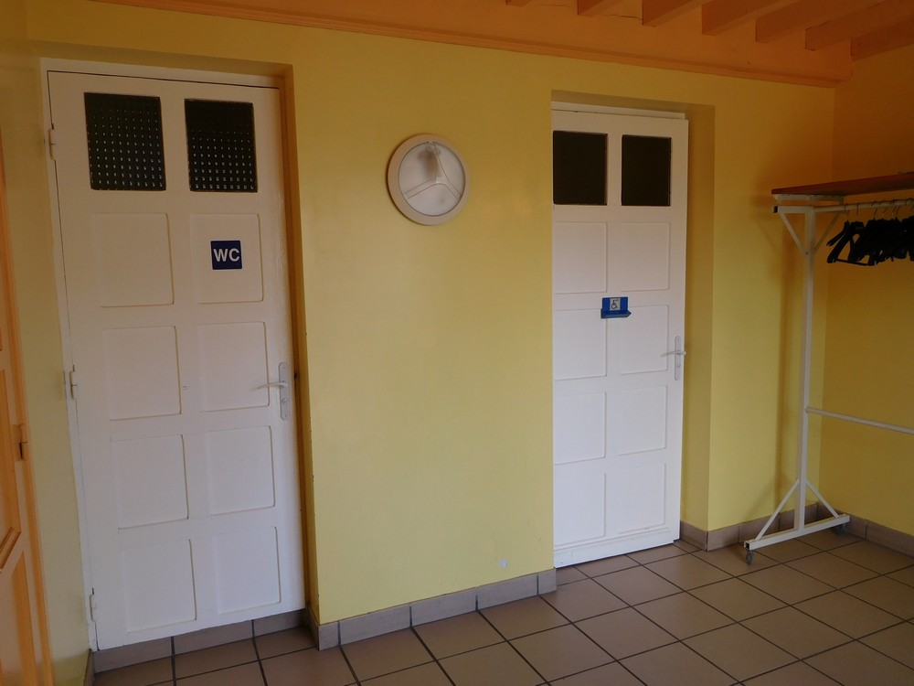 hall-wc